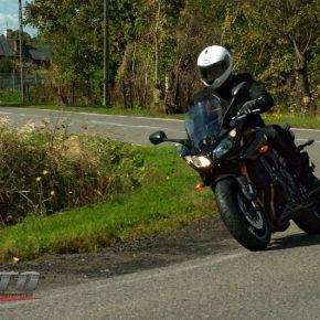2w1, czyli dwulicowy typ: Yamaha Fazer8